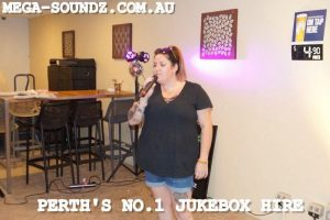 Karaoke Jukebox Singing